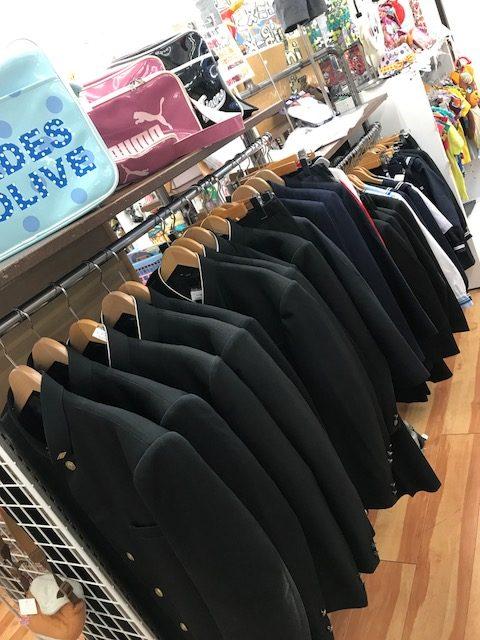 ついに、学生服コーナーが出現!! 買取 福井県越前市 サンステッププラス越前店