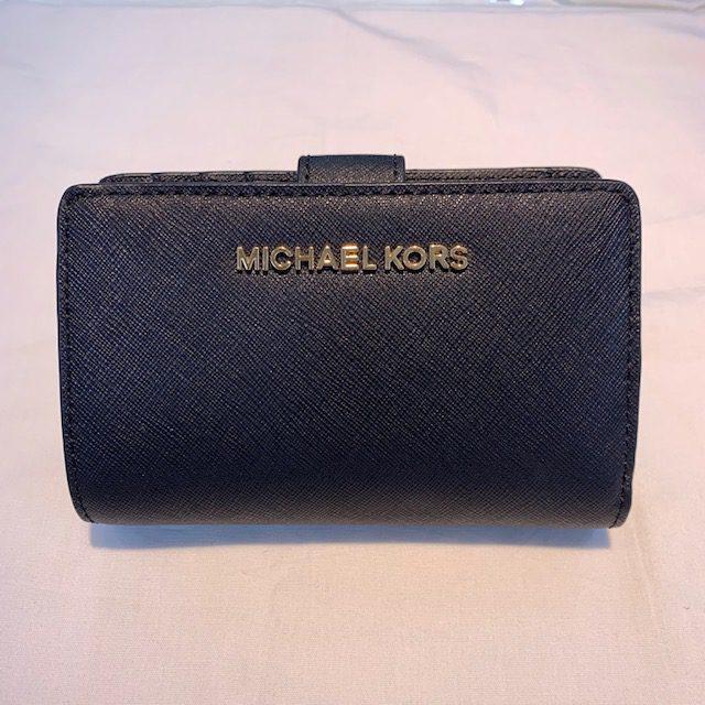 MICHAELKORSの財布をご紹介♪ サンステップ福井本店